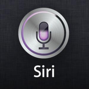 Ktorým hlasovým príkazom aktivujete hlasového asistenta Siri?