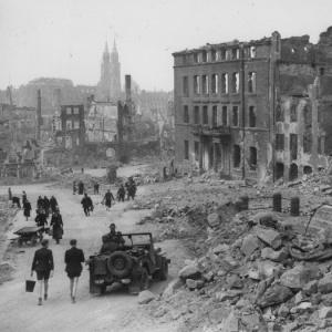 Na koľko okupačných častí bolo pôvodne rozdelené Nemecko a samotný Berlín