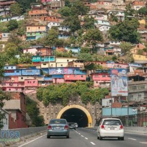 Hlavným mestom ktorého štátu je Caracas?