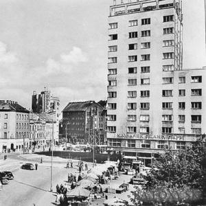 Najvyššou budovou (pozor, nie inžinierskou stavbou) na Slovensku je