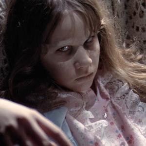 Jak se jmenovala dívenka posedlá ďáblem ve filmu Vymítač ďábla (1973)?