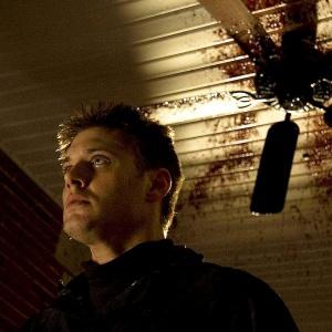 Jaký vražedný nástroj používal záporák série Krvavý Valentýn Harry Warden?