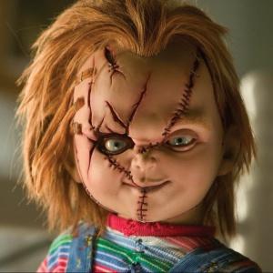 Jak se jmenovala oživlá vraždící panenka posedlá duchem vraha z filmu Dětská hra?
