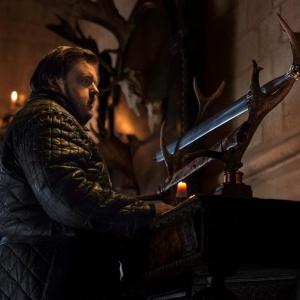 Ako sa volá meč z Valyrijskej ocele, ktorý držala rodina Tarlyových?