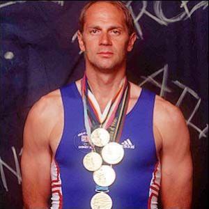 Jeden z najvýznamnejších britských športovcov. Veslár, ktorý svojich 5 účastí na olympiáde premenil na 5 zlatých medailí, získal za svoje výkony titul Sir: