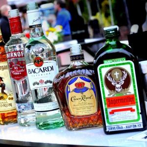 Koľko kalórií má 1 gram alkoholu?