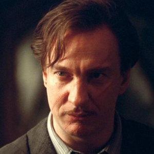 Každý rok vyučoval Obranu proti černé magii jiný profesor. Odkdy trvá tato kletba?