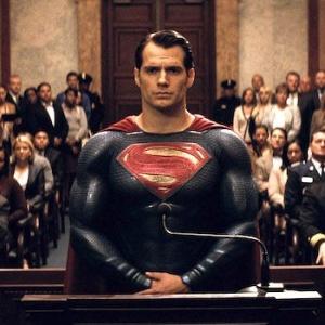 BvS: Prečo si Superman počas výsluchu nevšimol, že sa v miestnosti nachádza bomba?
