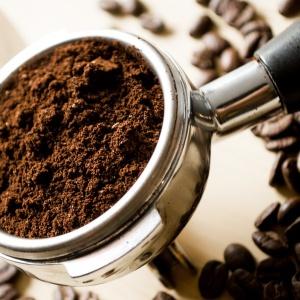 Ktorou najobchodovanejšou komoditou v poradí je káva?