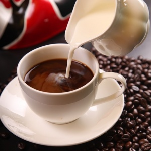 Koľko šálok kávy sa vo svete ročne vypije?