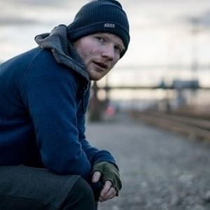V ktorom roku vydal Ed Sheeran skladbu Shape of You?