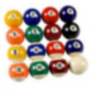 Aký je súčet čísel na biliardových guliach v druhom riadku?