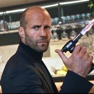 Jason Statham má