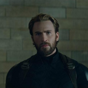 Kto zavolal na pomoc Capa a jeho tím?
