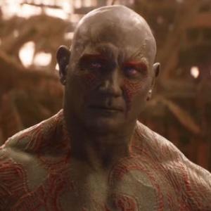 Ako dlho stál Drax podľa jeho slov nepozorovane v prítomnosti Gamory a Star-Lorda?