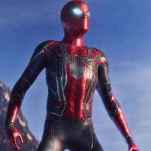 Aký bol podľa slov Petera jeho nový oblek?