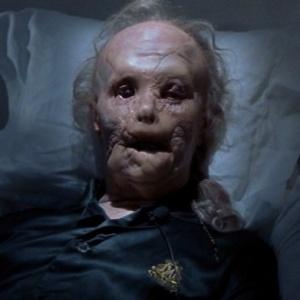 Ktorý herec bol na nespoznanie ako Mason Verger v Hannibalovi?