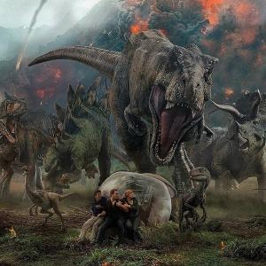Aká látka začala unikať v priestoroch, kde boli držané dinosaury?