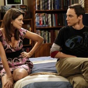 Aké meno má Sheldonov súrodenec – dvojička?