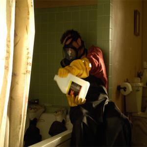 Aký názov mala kyselina, ktorou Walt a Jesse rozpustili telo vo vani (spolu s vaňou)?