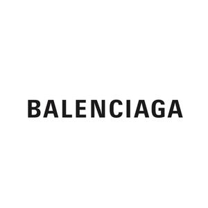 Ktorý dizajnér je aktuálne kreatívnym riaditeľom v módnom dome Balenciaga?