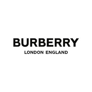 Ktorý dizajnér je aktuálne kreatívnym riaditeľom módneho domu Burberry?