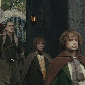 Počas odchodu z Roklinky sa Frodo opýtal Gandalfa, ktorým smerom je Mordor. Akú dostal odpoveď?