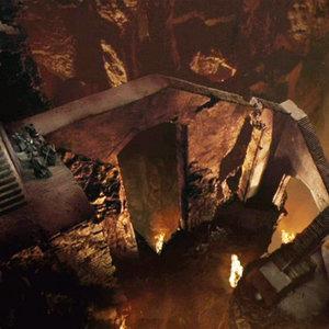 Kto v Morii pri úteku pred Balrogom preskočil rúcajúce sa schodisko ako prvý?