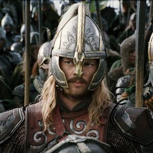 Keď Aragorn, Legolas a Gimli narazili na rohanskú jazdu, Éomer svojim mužom zakričal, že mieria na...