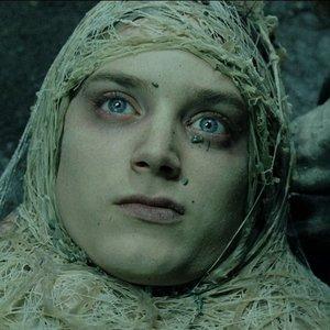 Čo sa stalo s prsteňom, keď bol Frodo paralyzovaný Odulou?