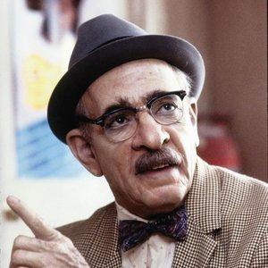 Ktorý herec bol v komédii Cesta do Ameriky zamaskovaný ako Saul?
