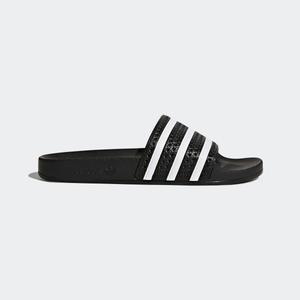 Proč vznikly první pantofle do sprchy adidas Adilette?