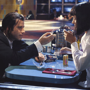 Keď sa vo filme Pulp Fiction vyberú Mia a Vincent do reštaurácie Jack Rabbit Slims, ktorá ikona 50. rokov ich obsluhuje?