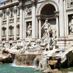 Koľko peňazí priemerne denne hodia turisti do rímskej Fontány di Trevi?