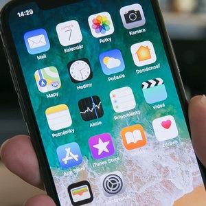 Ktorá z týchto aplikácii nie je od Apple?