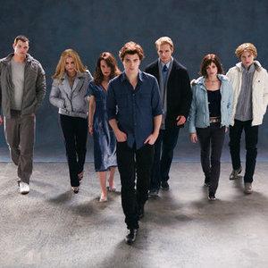 Kde bydleli Cullenovi před Forksem?